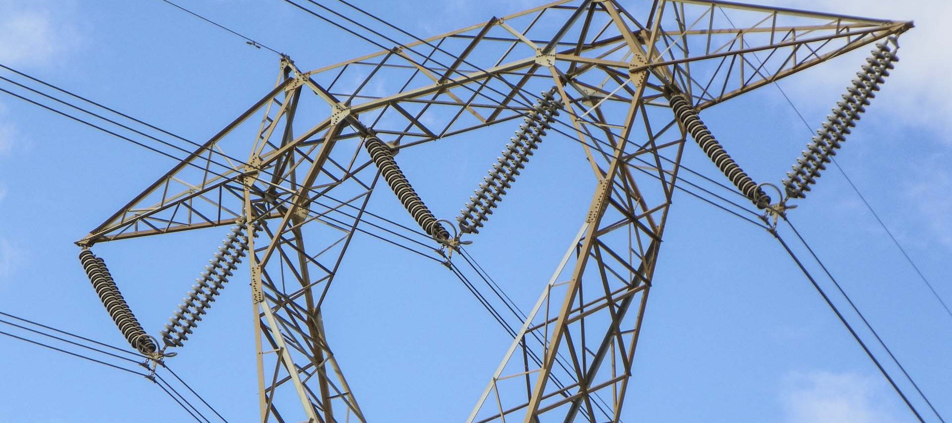 HARDWARE AND FITTINGS FOR OVERHEAD LINES - Nuova